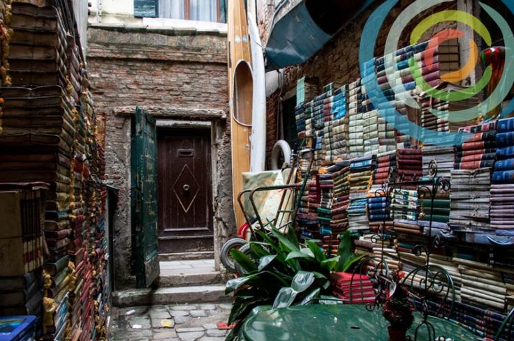 libreria-acqua-alta-venezia-3-copy