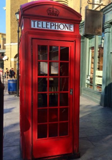 phone booth_1464946236